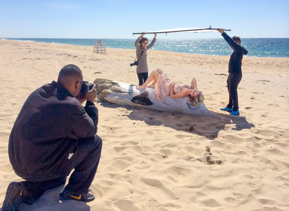 Outdoor portrait on the beach using diffusion fabric