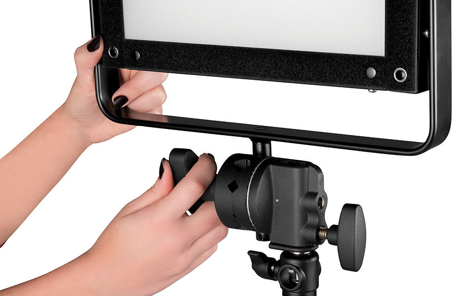 Grip head being rotated on light stand