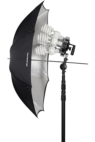 Umbrella with Spiderlite TD6 Continuous Fluorescent Light
