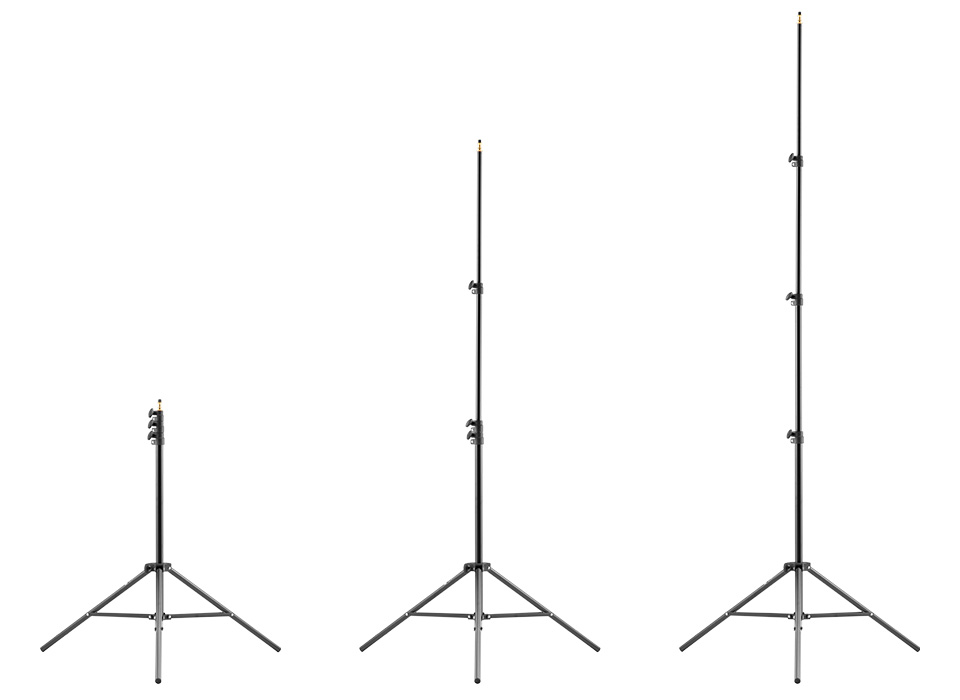 Light stand extending heights up to 6.5 feet tall