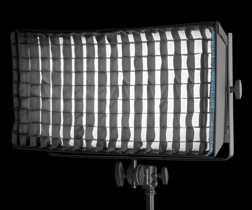 Flex Cine Softbox Grid softening and directing light