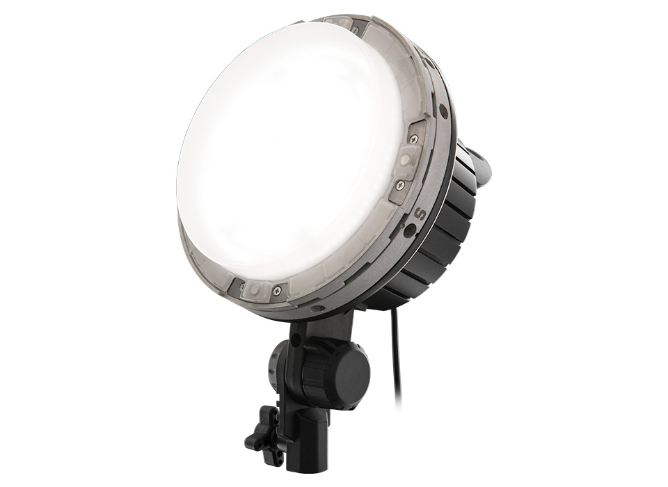 Solix High-End LEDs and Daylight Output