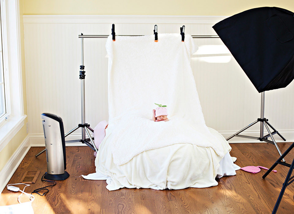 Newborn baby photography using daylight fluorescents and Spiderlite TD6
