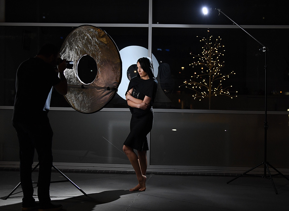 Photo shoot using Omega Reflector 360 with removable center panel