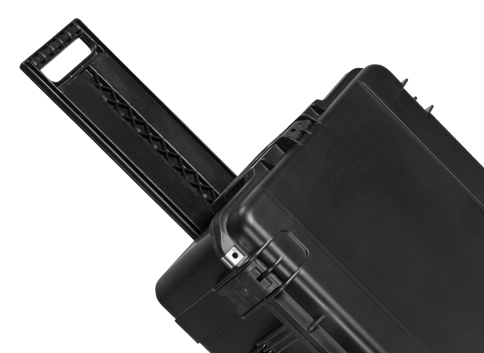 Flex hard case pull-out handle